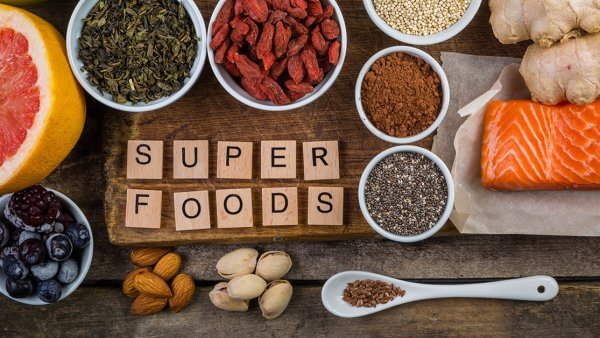 19 Superfoods to Keep Around the House